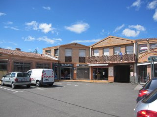 vente local-magasin LA SALVETAT SAINT-GILLES 2 pieces, 27m2